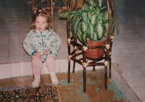 Mariana Vidal, de niña, cuando dice haber sido abusada