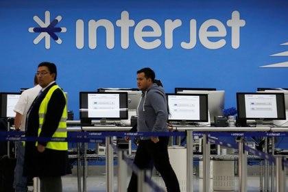 Un logotipo de la aerolínea Interjet se ve en el aeropuerto Benito Juárez de Ciudad de México, México, el 7 de diciembre de 2017. REUTERS / Carlos Jasso/ Foto de archivo