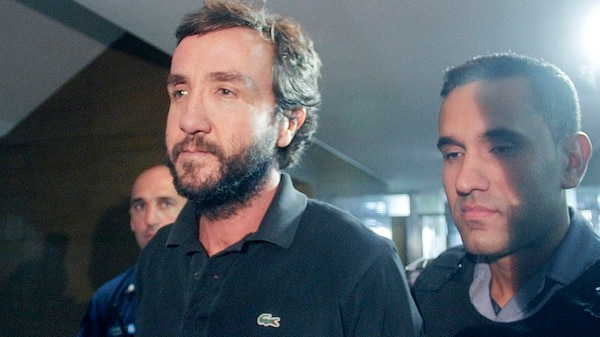 Alejandro Vandenbroele en el momento de quedar detenido (NA)