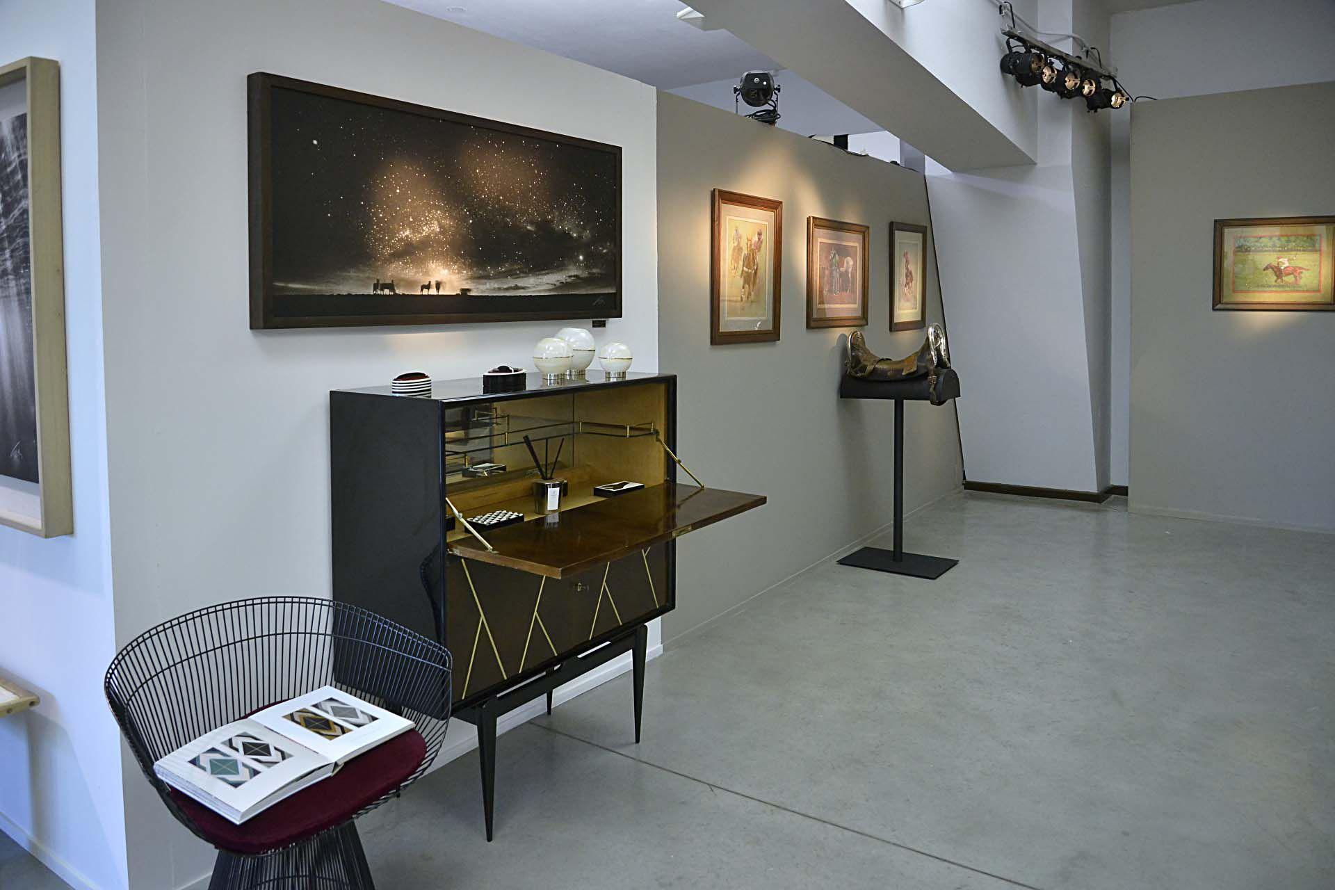 El concept store de moda y arte está ubicado en Campo Argentino de Polo, en el Museo de Remonta y Veterinaria