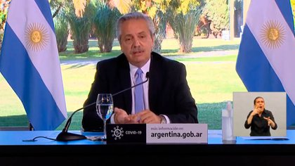 El presidente Fernández encabezó el anuncio en el que se extendió la cuarentena hasta el próximo 17 de julio