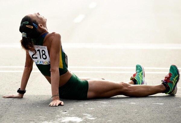 La brasileña Adriana Aparecida Da Silva tras ganar la plata en la maratón de Toronto en 2015. Foto Reuters