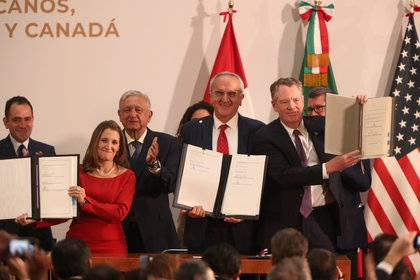 The T-MEC, successor to the North American Free Trade Agreement (NAFTA) in force since 1994, was signed by the presidents of the three countries on November 30, 2018 (Photo: EFE / Mario Guzmán)