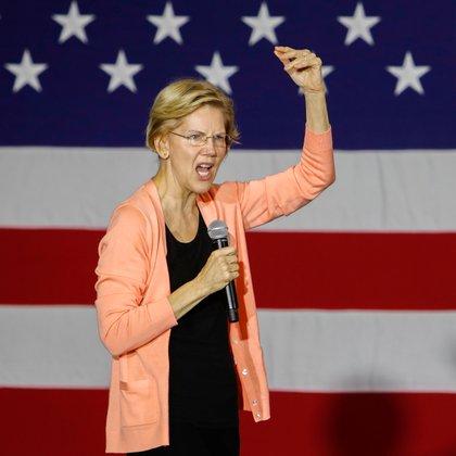 La precandidata presidencial demócrata Elizabeth Warren habla en un mitin político en Raleigh, Carolina del Norte, el 7 de noviembre de 2019 (REUTERS/Jonathan Drake)