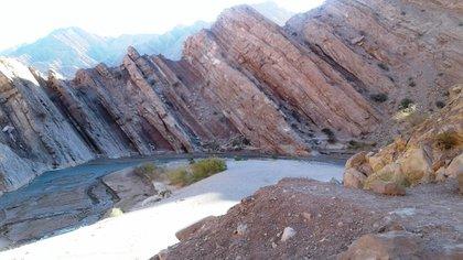 En la provincia se pueden hacer senderismo, trekking, mountain bike, motocross, pesca, carrovelismo, ala delta