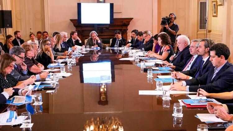 La reunión del Presidente con ministros y especialistas en salud
