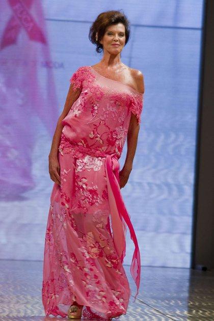 Desfiló en las mejores pasarelas internacionales y nacionales para los diseñadores de Alta Costura. Fue una de las modelos más solicitada en los 70 y 80