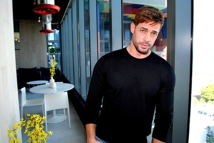 ACCESSORIES & # 209;  CR & # 211;  NICA *** AME1270.  MIAMI (UNITED STATES), 08/28/2020.  - Photo from file on December 5, 2019 showing Cuban-American actor William Levy posing for EFE during an interview in Miami, Florida (USA).  Levy turns 40 this Saturday, disillusioned with Hollywood and returned to the soap opera, a genre that brought him international fame and made him & # 243;  in one of the most sought-after galants in Latin America and the United States.