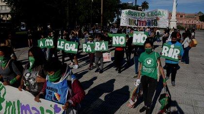 """""""Aborto legal para no morir"""" es una de las proclamas que reclaman que el 29 de diciembre se apruebe la Intervención Legal del Embarazo. (Nicolás Stulberg)"""