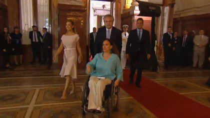 El presidente electo Alberto Fernández traslada a la vicepresidenta saliente, Gabriela Michetti