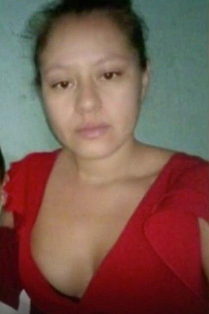 Ella se quedó secuestrada según narró su hermano, ya que no pudo pagar el rescate de ambos, sólo del menor Foto: (Captura de pantalla Telemundo)