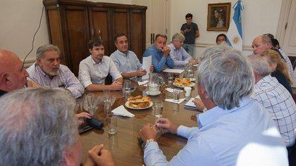 El ministro de Educación, Alejandro Finocchiaro, recibió a los sindicatos nacionales