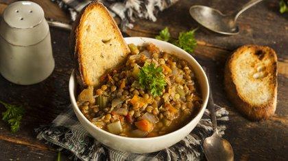 El ritual dice que un plato de lentejas atraerá fortuna el año nuevo (Foto: Shutterstock)
