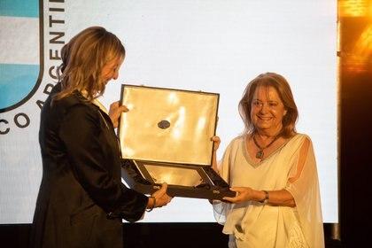 Mercedes Paz fue reconocida por su trabajo y la difusión que le brinda a la mujer en el deporte argentino