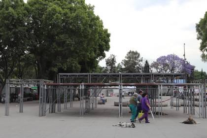 Vista general del montaje de escenarios para la 177 Representación de la Pasión de Cristo en Iztapalapa (México). Ante la propagación del coronavirus se suspendió la representación popular 177 de la Pasión de Cristo y la procesión prevista del 5 al 12 de abril por las calles de Iztapalapa, al oriente de la Ciudad de México.