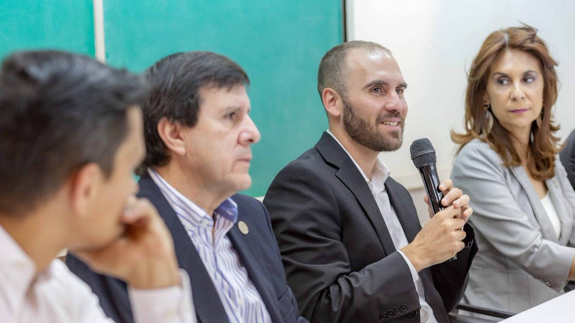 El economista en una charla en Tucumán, en octubre pasado (@Martin_M_Guzman)
