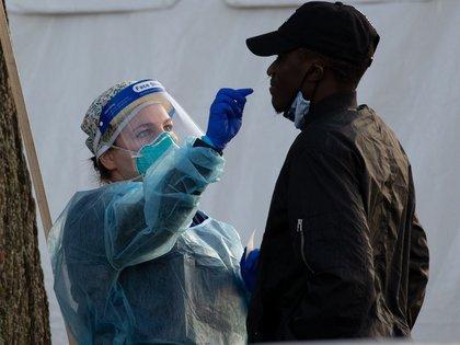 La nueva cepa británica ya se ha detectado en varios países (EFE)