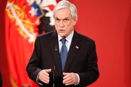 El presidente Sebastian Piñera presentó un recurso contra el tercer retiro de pensiones desde el inicio de la pandemia en Chile (EFE/Alberto Valdés)