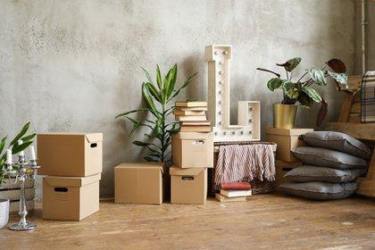 """Los muebles se deben proteger enteros para evitar que se rallen. En el camión se apilan como un """"tetris"""" y corren riesgo de marcarse (Shutterstock)"""