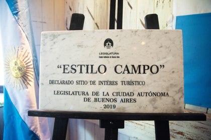 La placa que le otorgó la Legislatura de la Ciudad Autónoma de Buenos Aires este 2 de diciembre de 2019