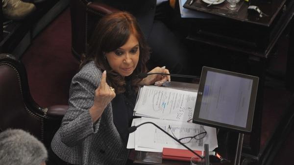 Cristina Kirchner en su banca del Senado (Patricio Murphy)