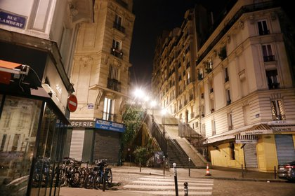 Calles vacías en Montmartre, París (Reuters)