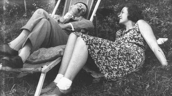 Hitler junto a Geli, con quien se dice que tuvo una relación romántica muy intensa