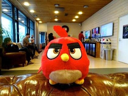 Foto de archivo de un personake de Angry Birds en las oficinas de Rovio en Espoo, Finlandia.  Mar 13, 2019.  REUTERS/Anne Kauranen