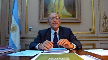 Nun fue secretario de Cultura durante los gobiernos de Néstor y Cristina Kirchner. En los últimos años fue muy crítico con el kirchnerismo