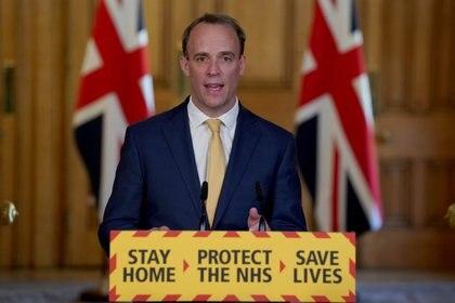 El canciller británico, Dominic Raab, tomó la conducción del Gobierno luego de que el primer ministro Boris Johnson fuera internado en terapia intensiva tras ser infectado por el coronavirus