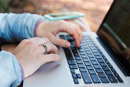 Entre las ofertas de empleos se encuentran: ingenieros, expertos en mercadotecnia, personal legal y administrativo. Foto: Pixabay.