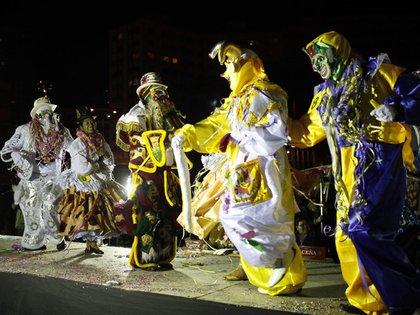 Baile típico en el carnaval andino en Bolivia
