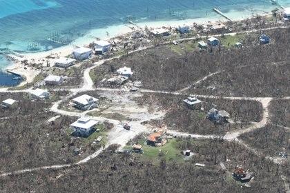 La devastación enMarsh Harbour, vista desde un helicóptero de los rescatistas (Petty Officer 3rd Class Hunter Medley Guardia Costera de Estados Unidos via REUTERS)