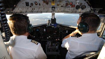 Pese a sus ataques de pánico, el piloto Guest desea recuperar su trabajo.