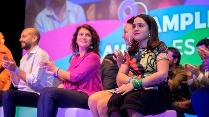 Ofelia Fernández, de 19 años, aspira a encabezar la lista de precandidatos a legisladores porteños.