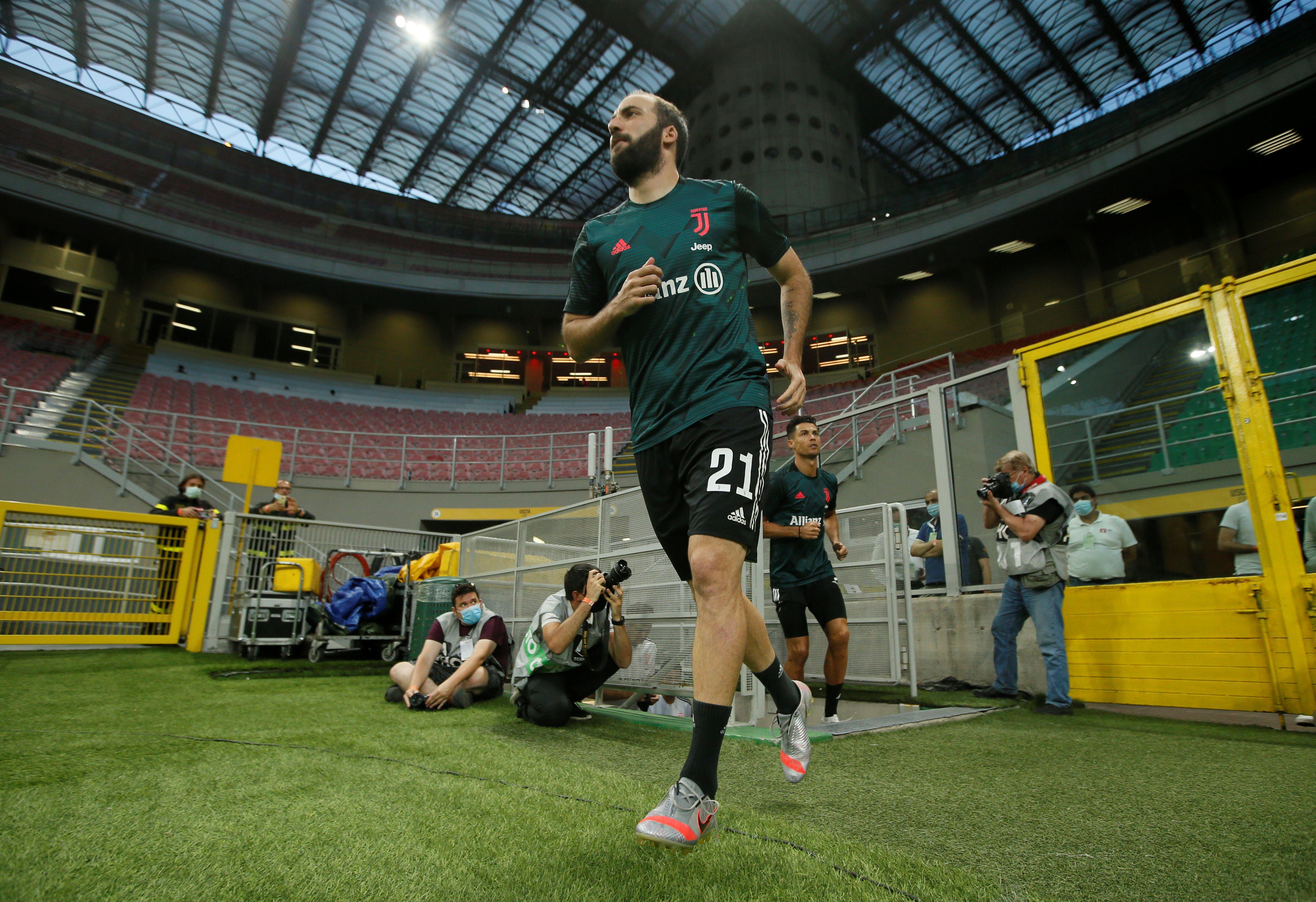 El Pipita, de 32 años, brilló en River, Real Madrid, Napoli, Juventus y Chelsea (REUTERS/Alessandro Garofalo)