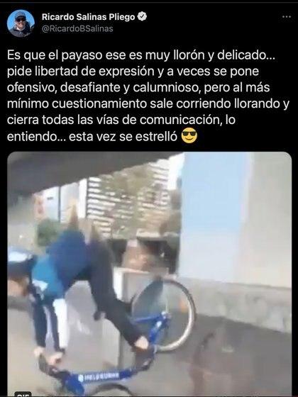 """""""Al mínimo cuestionamiento sale corriendo, llorando y cierra todas las vías de comunicación"""", la indirecta de Salinas a Brozo (Foto: captura de pantalla @RicardoBSalinas)."""