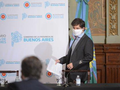 Axel Kicillof, con barbijo, en una conferencia de prensa realizada ayer