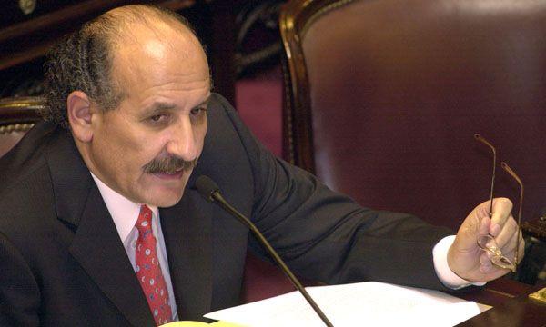 El embajador argentino en Perú Jorge Yoma mantiene informado a Faurie lo que ocurre en Lima NA 162