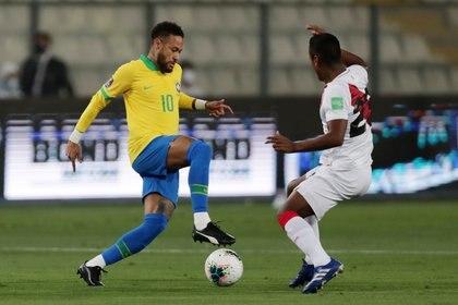 Neymar llegó a 64 goles con Brasil (Reuters)
