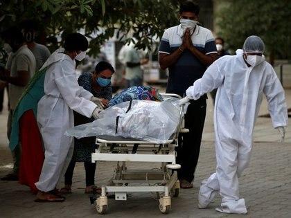 India sufre una dramática situación por el incontrolable avance del coronavirus (REUTERS/Amit Dave)