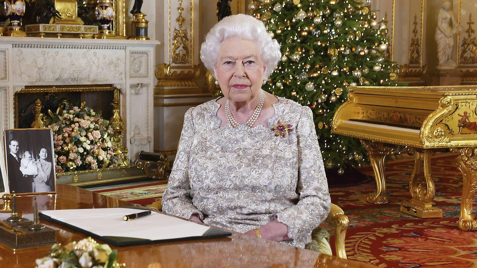 A los 93 años, la reina Isabel II sigue siendo una fuente inagotable de anécdotas