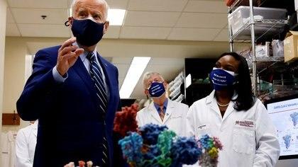 El Gobierno de Joe Biden invertirá USD 1.700 millones para detectar las nuevas variantes del coronavirus en EEUU