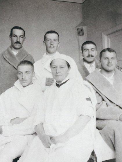 Cuando estalló la guerra ruso-japonesa en 1904, Gedroits se ofreció como cirujana voluntario en un tren del hospital de la Cruz Roja