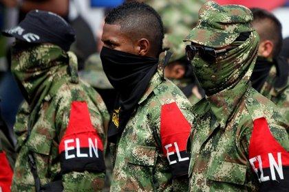 La narcoguerrilla siguió utilizando su estrategia clásica de la pulga: picar y saltar, según el general Prieto (EFE/Christian Escobar Mora/Archivo)