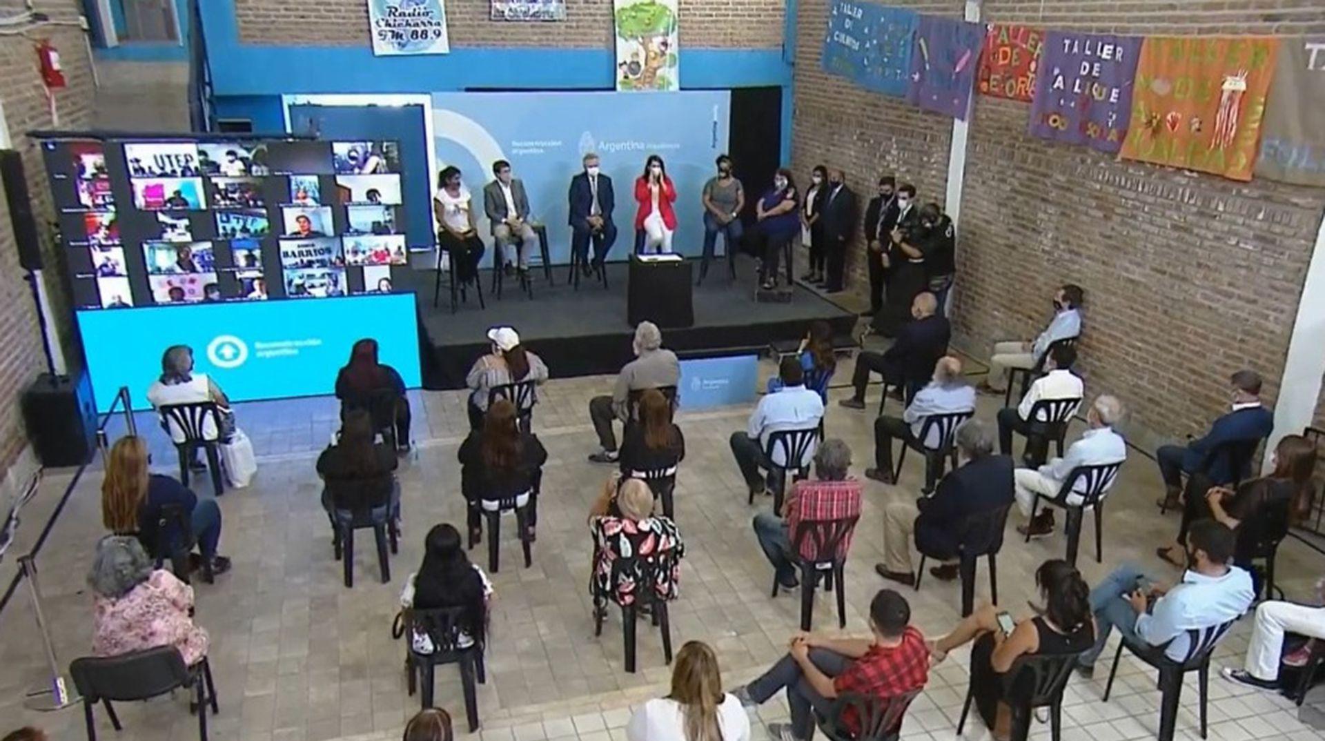Alberto Fernandez anuncia bono trabajadores sociocomunitarios de Potenciar Trabajo