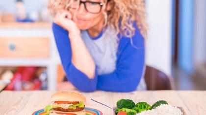 Durante la cuarentena muchas personas modificaron la alimentación y es momento de ordenarse (Shutterstock)