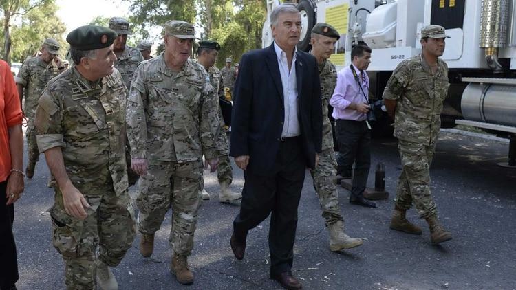 El ministro Aguad visitó las instalaciones de la Agrupación de Ingenieros 601 del Ejército Argentino. Foto: Gentileza Ejército Argentino/Pablo Senarega.