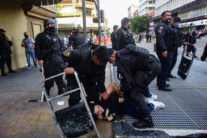 Manifestación por homicidio de Giovanni López, en Guadalajara, Jalisco (Foto: REUTERS/Fernando Carranza)