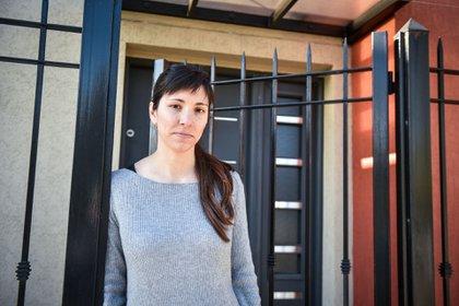 Yanet, una de las vecinas de Villa Alemania, vive a escasas cuadras del predio del aeropuerto